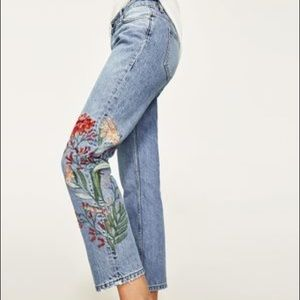 Zara • Flower Embroidered Jeans